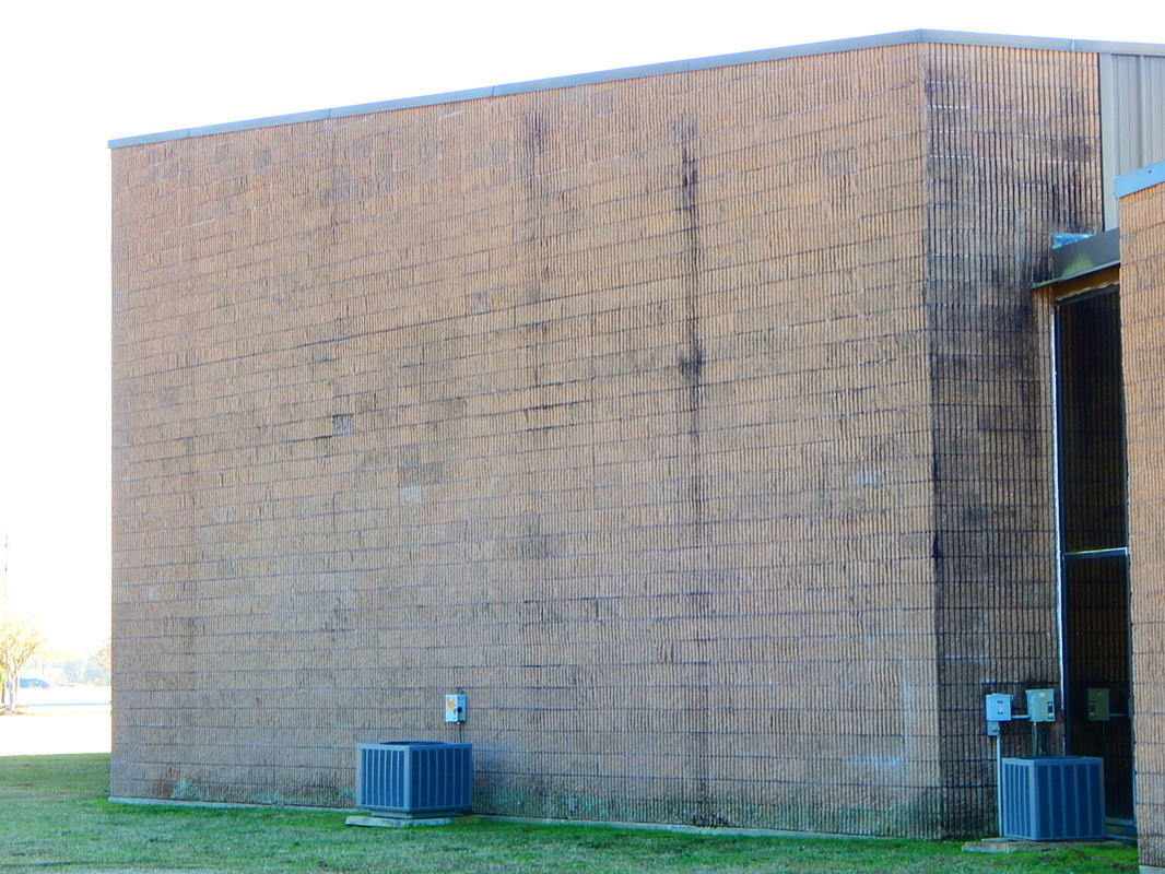Cajun Soft Wash commercial brick cleaning soft power was dirt stains